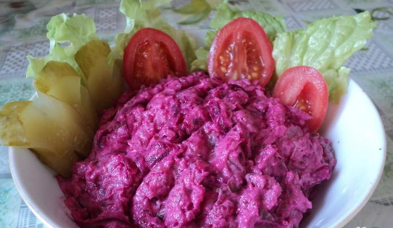 Диетический салат из свеклы рецепт с фото